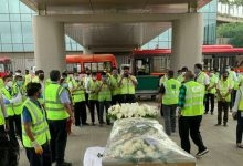 Photo of Capt Sathe's Body Brought To Mumbai, Last Rites On Tuesday