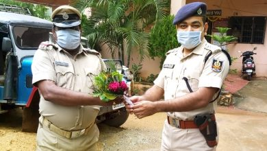 Photo of Koraput Cop Recovers From COVID-19, Rejoins Duty Immediately