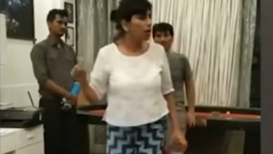 Photo of Viral Video Shows Sushant's Sister Priyanka Scolding Staff Over Money Transfer