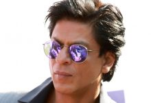 Photo of SRK Finds 'Guidelines For Being A True Indian' In National Flag