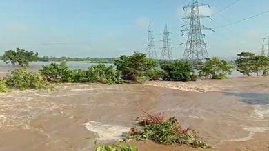 Photo of Watch: Floodwater Of Daya River Creates 100-Feet Breach In Kanas