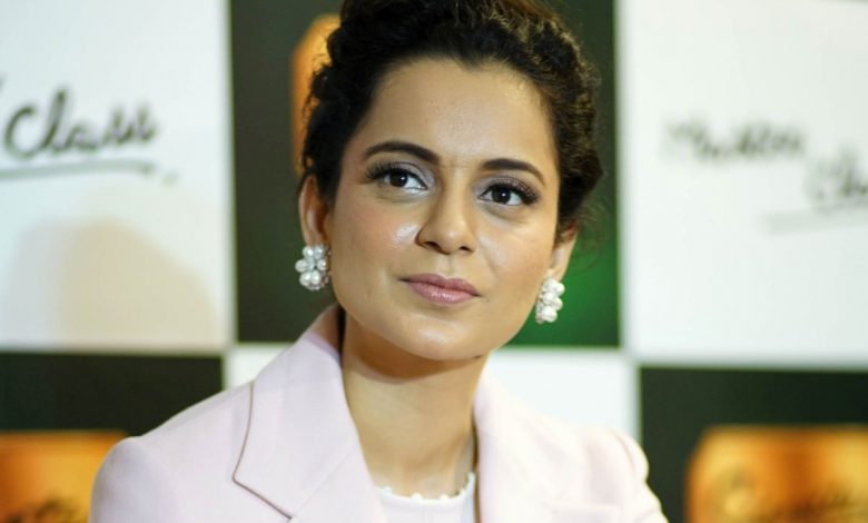 Kangana defends her 'soft porn star' barb at Urmi