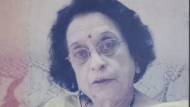Photo of Veteran Communist Leader Roza Deshpande Passes Away