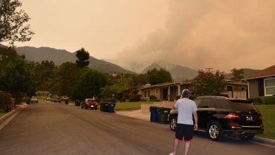 Photo of Wildfire Near LA Grows To Over 100,000 Acres