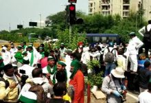 Photo of Farmer Protests Rock Punjab-Haryana, Lukewarm Response In K'taka