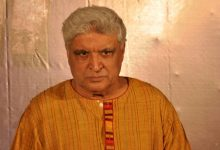 Photo of Javed Akhtar Takes Jibe At News Channels Highlighting K.Jo Party Video