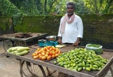 Photo of 'Balika Vadhu' Serial Director Sells Veggies In UP's Azamgarh