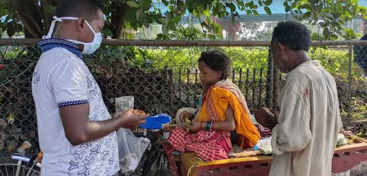 Unable To Get Ambulance, Puri Man Pedals Ailing Wife To SCB