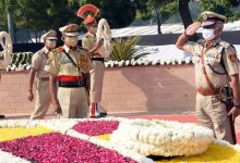 Photo of Delhi Police Pays Homage To Martyrs On Commemoration Day