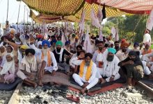Photo of Protesting Farmers In Punjab Allow Only Goods Trains To Ply
