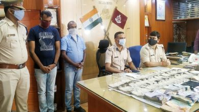 Photo of Berhampur: IPL Online Betting Racket Busted; 2 Nabbed, Rs 33.61 Lakh Seized
