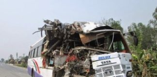 7 killed, over 20 injured as vehicles collide in UP's Aligarh