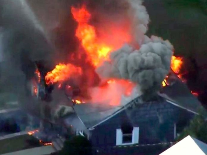 US In gas pipelineTerrible fire , One Death , 10 Injured