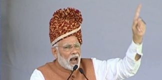 I'm a small 'kaamdar' to know all about Hinduism: Modi's retort to Rahul