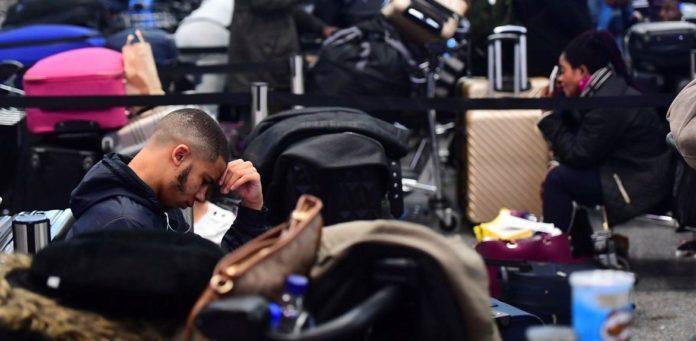 Thousands of air passengers still stuck at Gatwick, flights resume