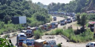 Stranded vehicles cleared as 2-day a week ban on civilian traffic begins on Jammu-Srinagar highway
