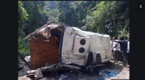Andhra Pradesh Tourist Bus Falls Tribal Area Valley , Eight Dead