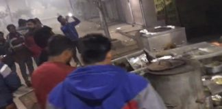 Miscreants vandalized hotel for not giving onions and chutney