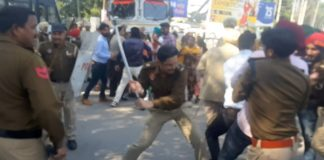 unemployed teachers protest in Patiala Police latchicharge