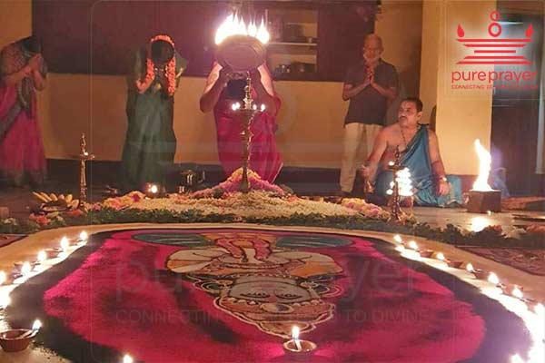 Perform Durga Namaskar with best Vedic Pandits from PurePrayer to bring Harmony and peace in your family
