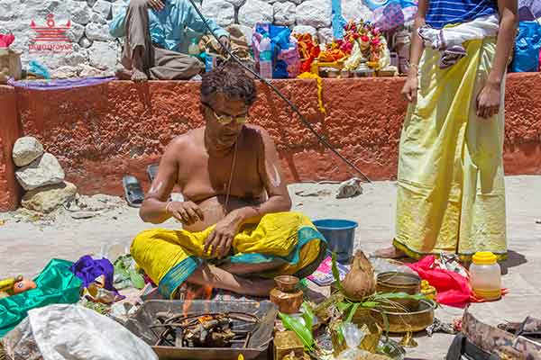 Book experienced Vedic Tamil Vadhyar in Bangalore