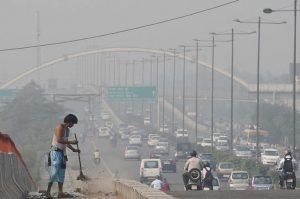 pollution level in delhi india