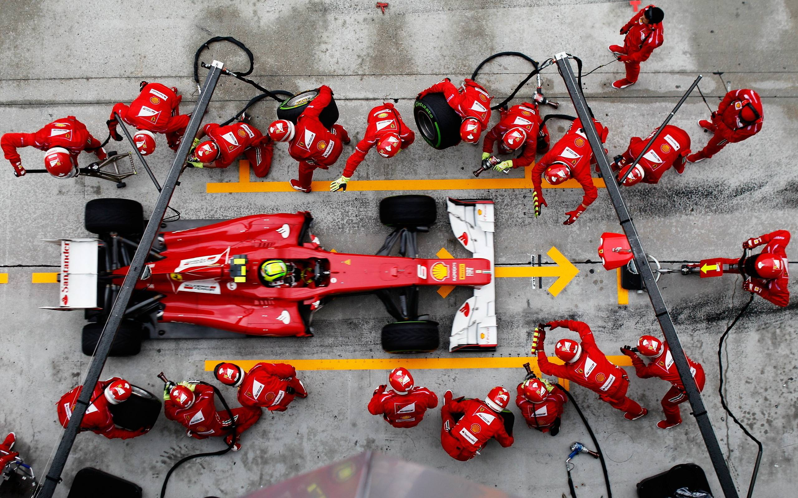 How F1 Race Best Epitomizes Great Team Work
