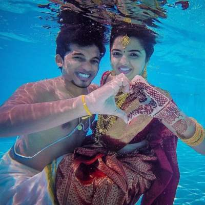 underwater pre-wedding photos