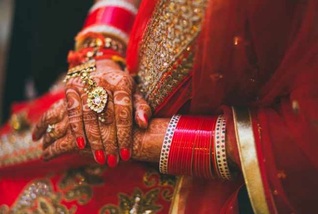 Questions a bride should ask before hiring a mehendi artist
