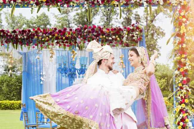 out of the box ideas for monsoon wedding