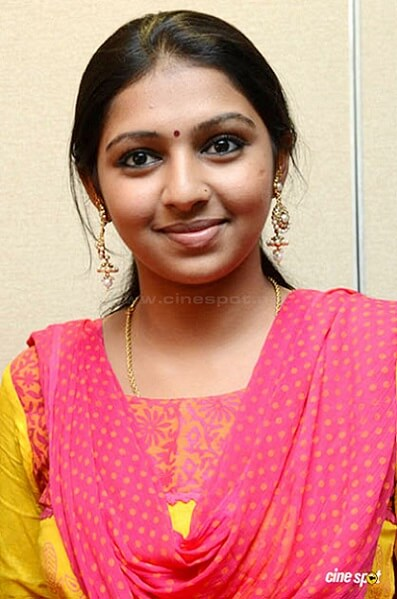 Lakshmi Menon Biography, Age, Height, Weight, Movies, photos (4)