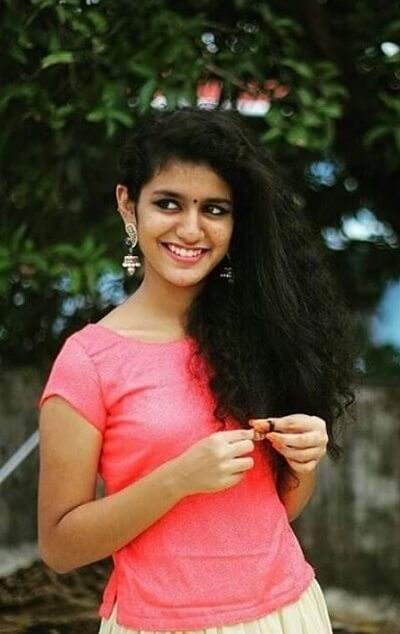 Priya Prakash Varrier Age, Family, Biography, Photos, Images, Affairs
