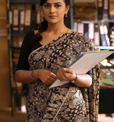 Tamil Actress Name List with Photos (South Indian Actress) shraddha srinath