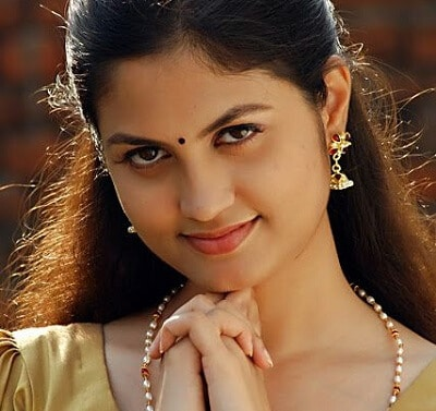 Aashritha Age, Height, weight, Husband, Movies, Photos, Family (1)