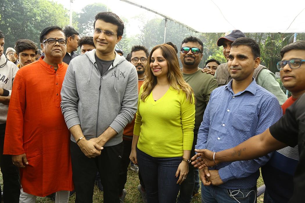 Começando com apenas Rs 10.000, este cineasta ganha agora em Crores 3