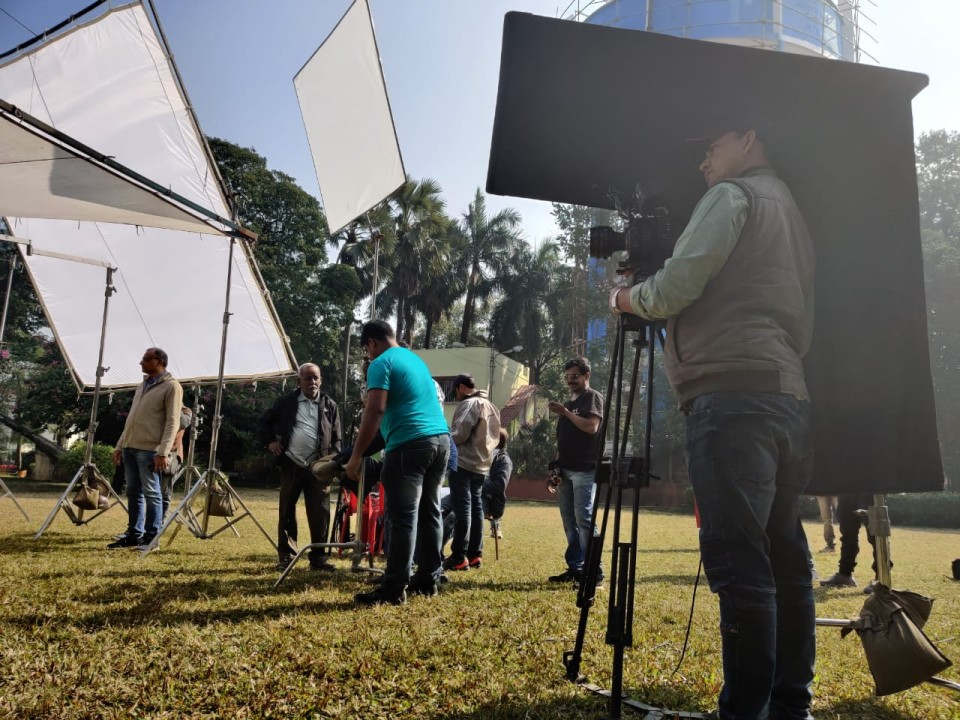 Começando com apenas Rs 10.000, este cineasta ganha agora em Crores 9