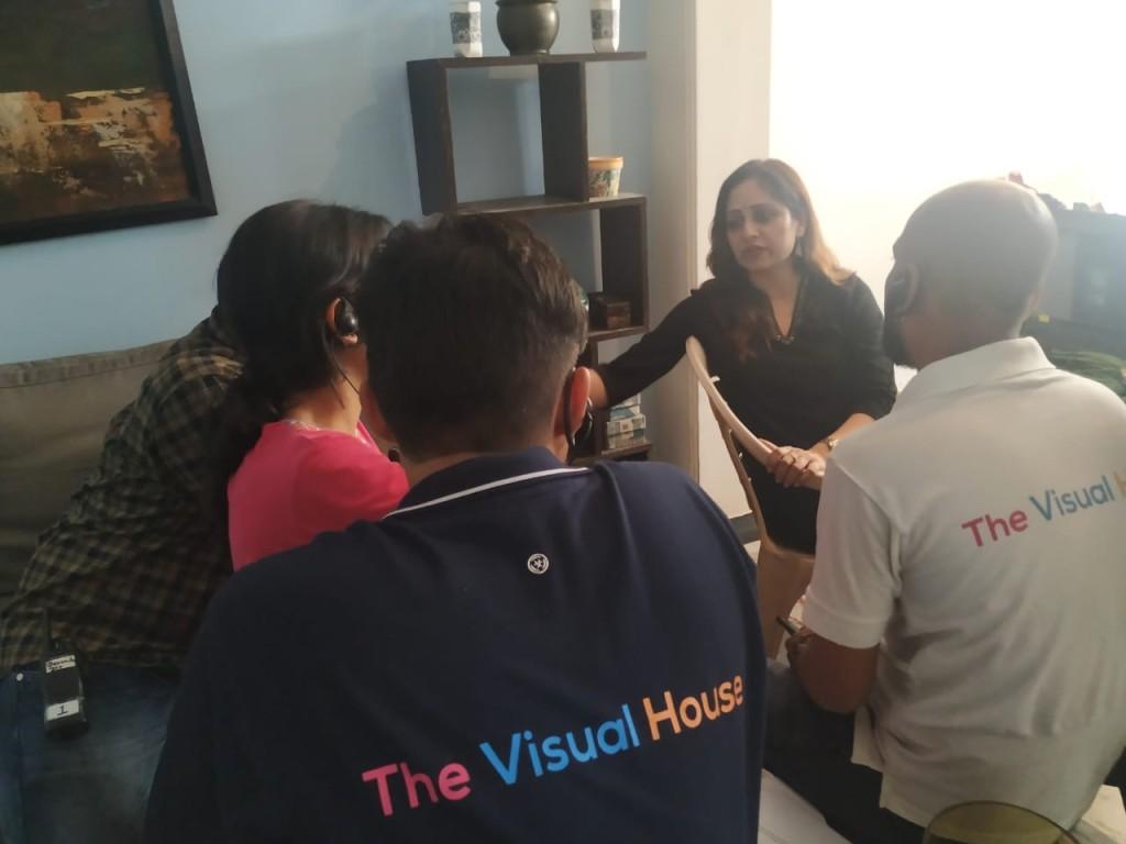 Começando com apenas Rs 10.000, este cineasta ganha agora em Crores 4
